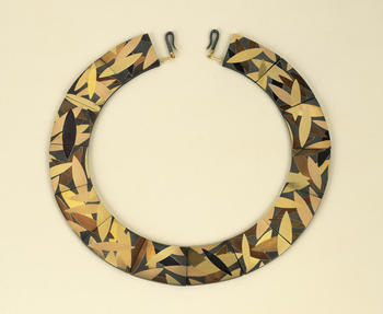 "Suzan Rezac. Jewelry. ""Wreath"". Necklace. 18K red gold, 18K yellow gold, 18K green gold, shakudo, copper, brass, bronze. Inlay"