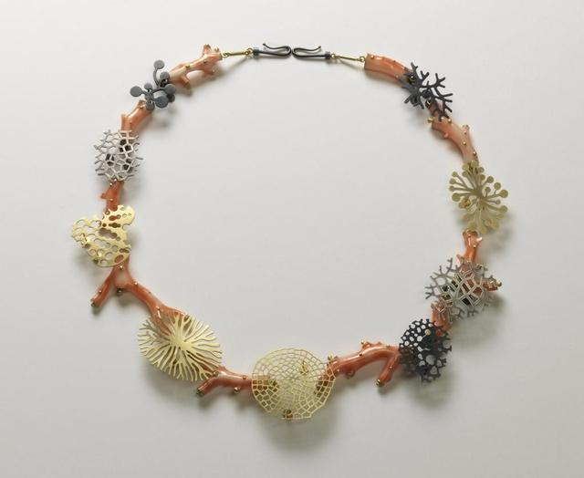Suza Rezac. Necklace: branch coral. 18K gold, oxidized silver